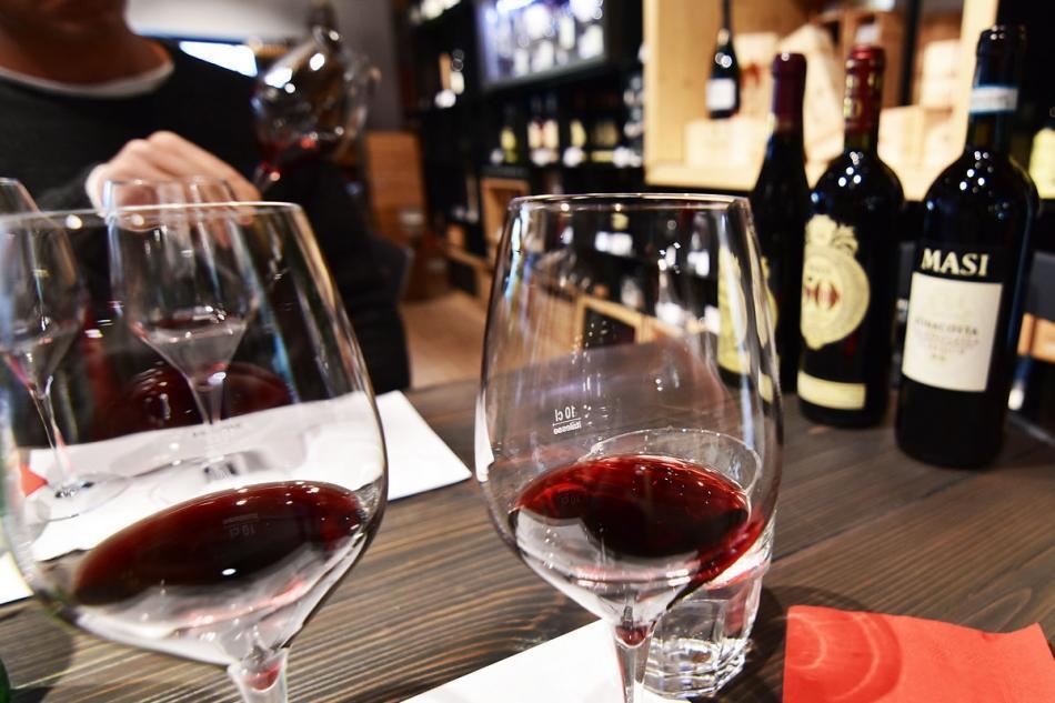 AMARONE VALPOLLICELLA WINE