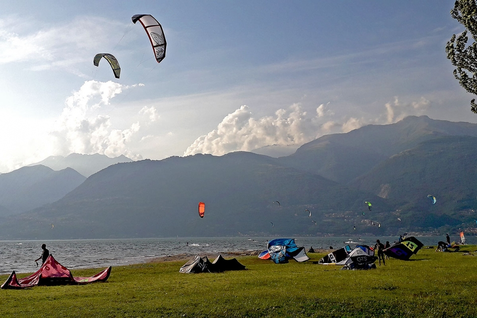KITE E WIND SURF LAGO DI COMO